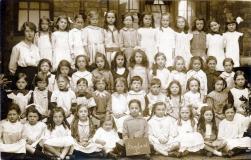 F111 Bootle schoolchildren