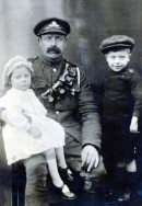 F012 Royal Engineer and children