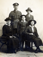 F038 Unnamed soldier and family, Wiltshire Regiment, Saffron Walden studio