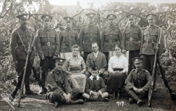F154 Gloucestershire Regiment pals and family