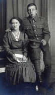 F095 Unnamed soldier, King's Liverpool Regiment, and lady, George Connard studio, Ashten-under-Lyne