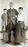 F131 Unnamed soldier and family, J. Curzon Studio, Brighouse.