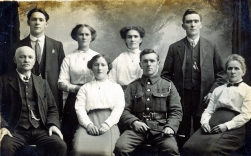 F122 Unnamed soldier and family.