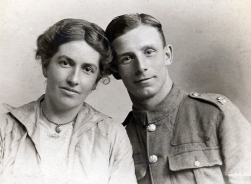 F017 Fanny and Tom, Northumberland Regiment, Hull studio