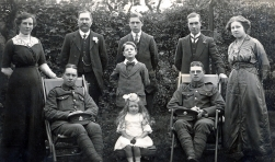 F050 Sherwood Foresters and Army Service Corps with family
