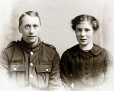 F052 Unnamed soldier and lady