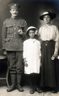 F067 Grenadier Guard with his wife and daughter, 2 June, 1917