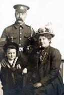 F060 Sergeant, Queen's (Royal West Surrey Regiment) and family