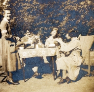 G470 Queen Mary's Army Auxiliary Corps tea, Rouen, 1919.
