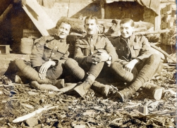 G513 Unnamed British soldiers, Salonika 1917.