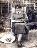 B020 Elizabeth Barlow Queen Mary's Army Auxiliary Corps c. 1917