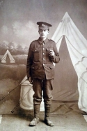 B354 Unnamed soldier, Royal Warwickshire Regiment. Courtesy of Paul Hughes.