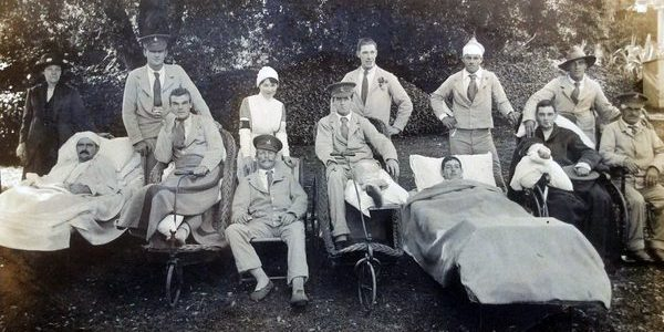 WO213 Unnamed wounded group, Courtesy of Paul Hughes